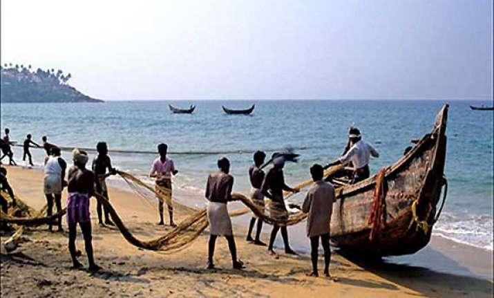 66 tamil nadu fishermen return home from sri lanka