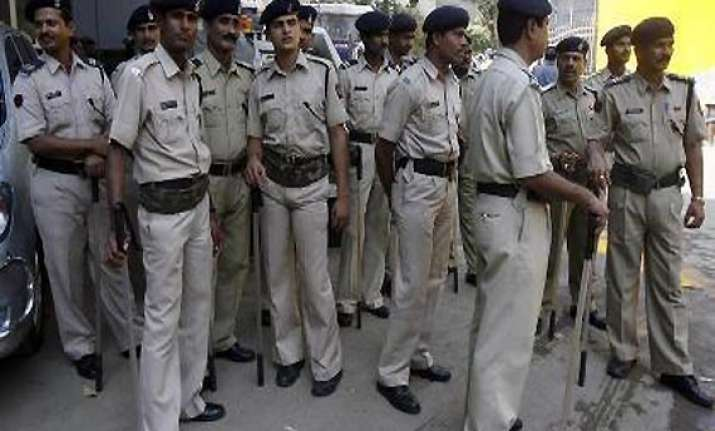 teachers assaulted by students in bengal colleges