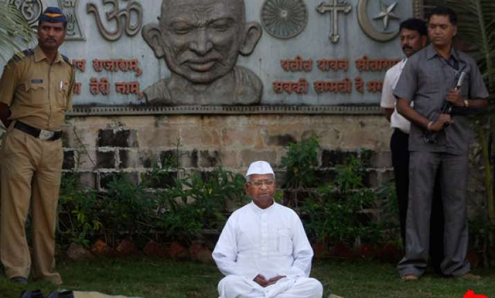 team anna appeals to hazare to end fast