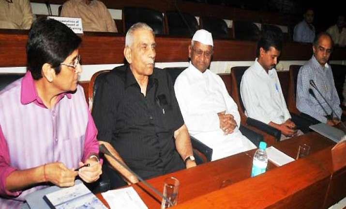team anna proposes delinking citizen charter from lokpal