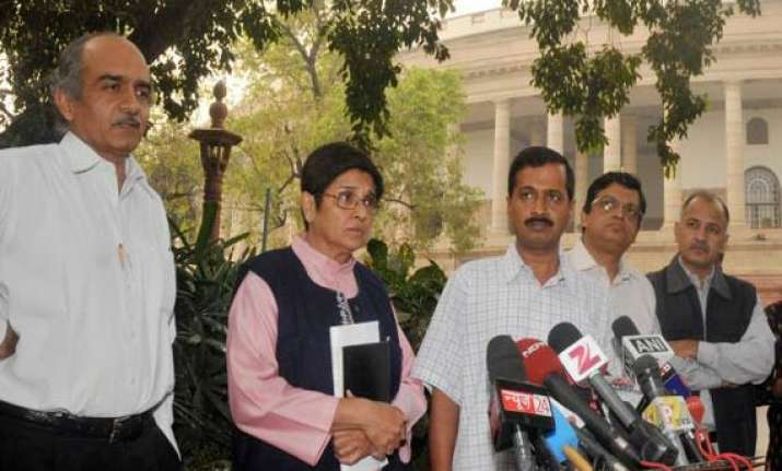 team anna sends open letter to pm and mps on lokpal bill