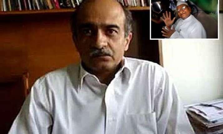 team hazare to move sc against detentions