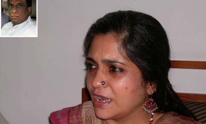 teesta s ex aide submits script of conversation to riot