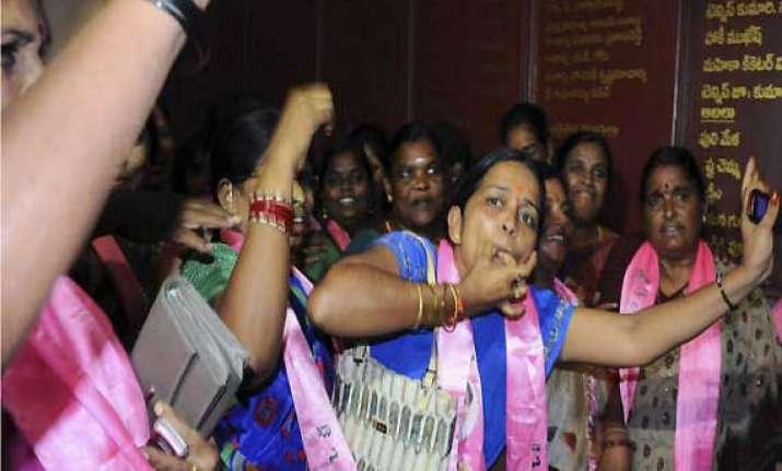 telangana erupts in joy bandh in seemandhra