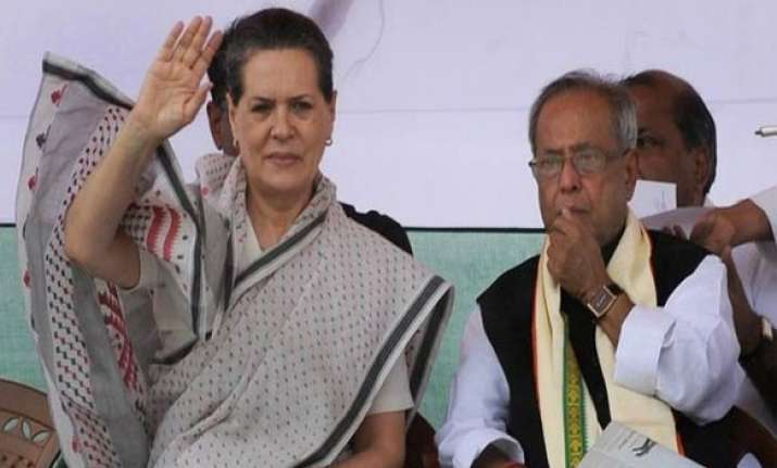 telangana decision only after sonia is back pranab tells mps