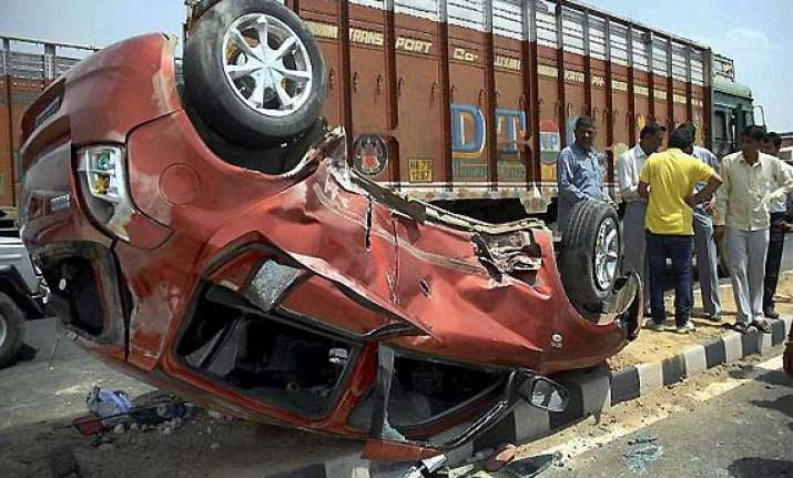 ten killed in tripura road accident