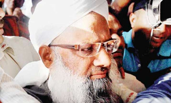 terror accused maulana quavi gets bail from gujarat high