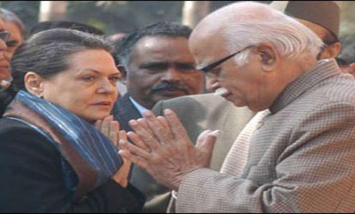 terse letter from sonia prompted advani s apology