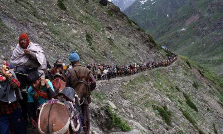 third batch of pilgrims leave for amarnath from jammu