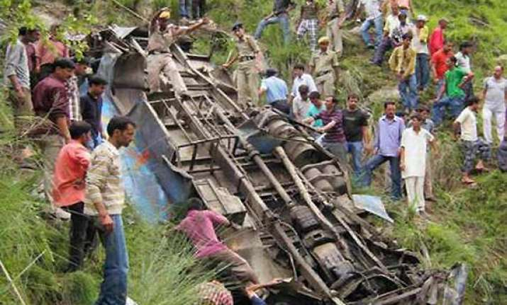 17 killed seven injured as bus plunges into gorge in