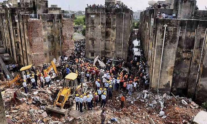 11 dead in vadodara building collapse probe ordered