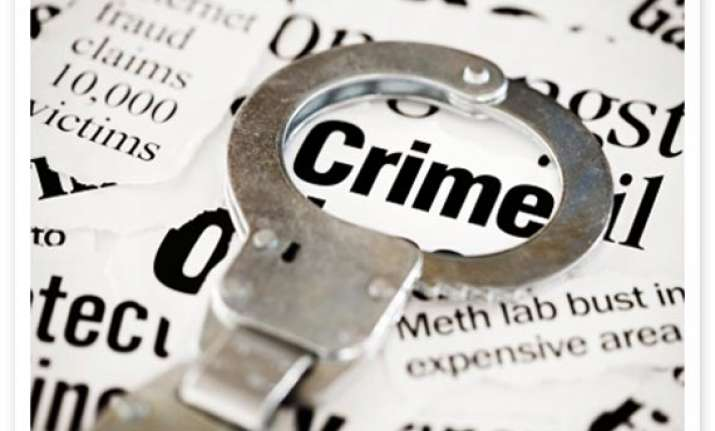 three held in gurgaon for robbing lift seekers