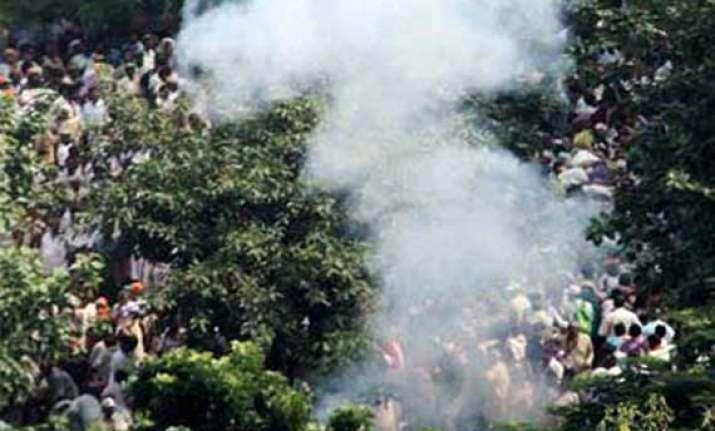 three injured in bomb blast in poll bound madhubani