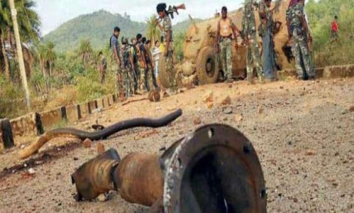 three police commandos killed in naxal attack