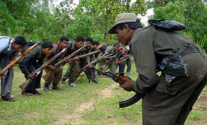 three crpf jawans killed in encounter with naxals