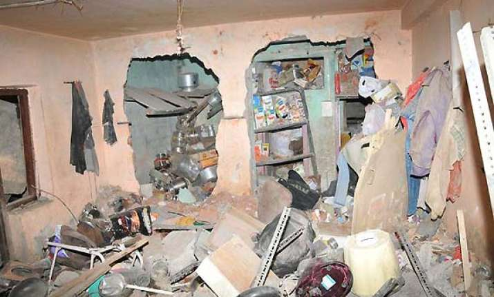 three killed in gas cylinder blast in delhi