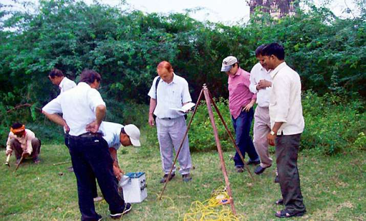 timeline of gold treasure hunt in unnao up