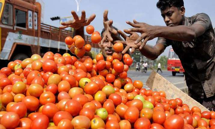tomato prices soar upto rs 80/kg government says keeping