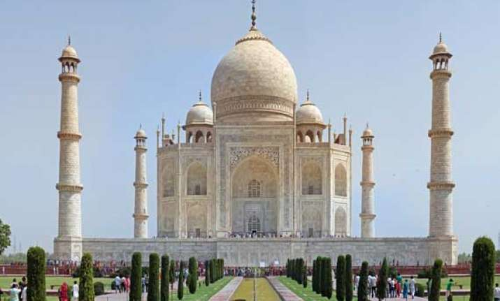top 10 spectacular man made structures in india