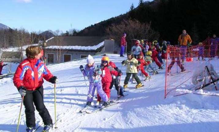 top 8 destinations for skiing lovers in india