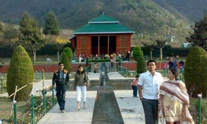 tourists flock to see mughal period bath house in srinagar