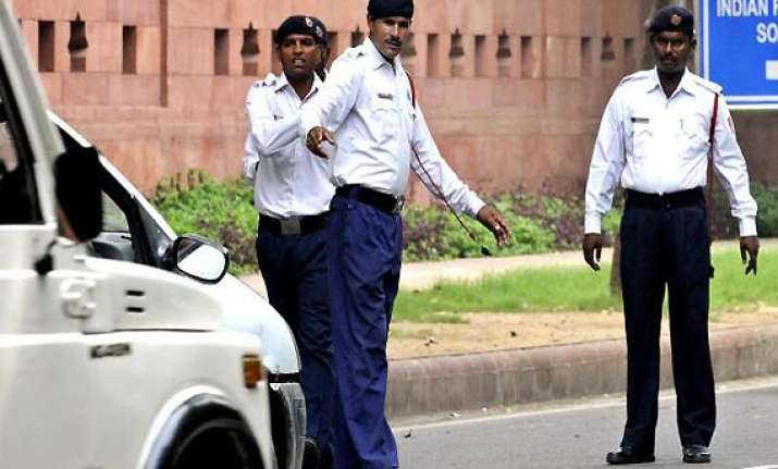 traffic wing under delhi govt not feasible home ministry