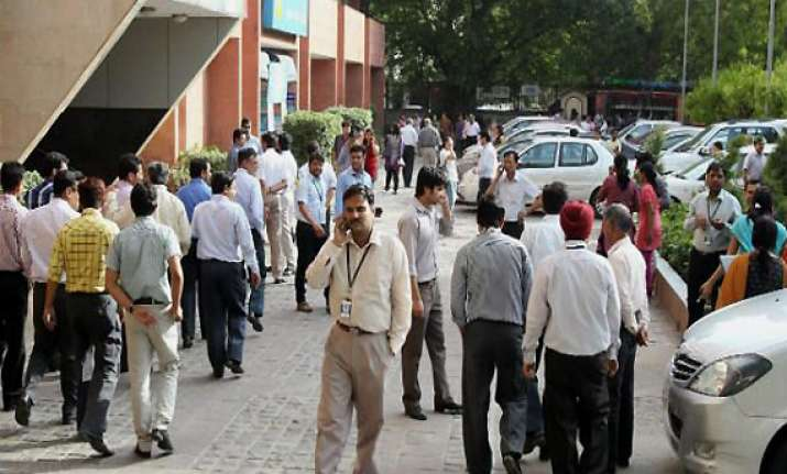 tremors felt in new delhi after major quake in pakistan