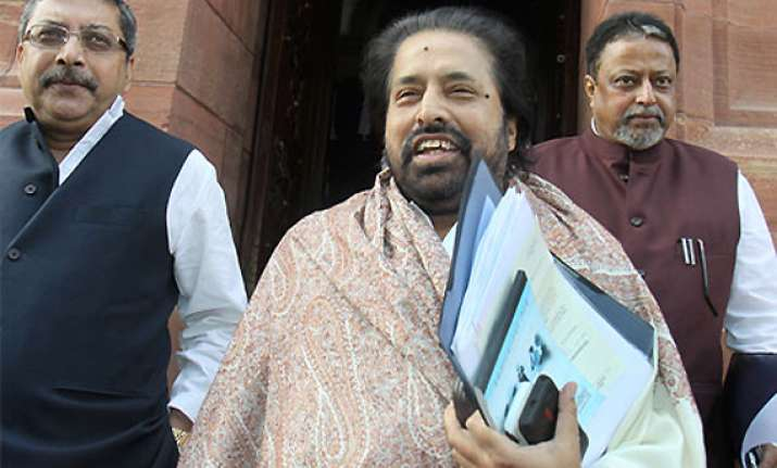 trinamool says trivedi must resign and not reply to railway