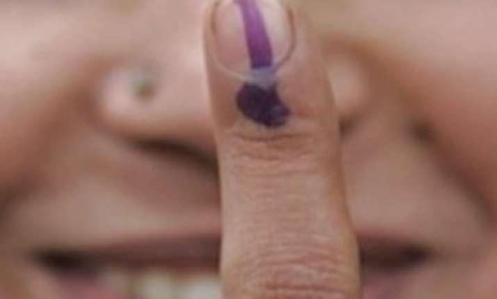 turnout 55 58 per cent voting peaceful in delhi mcd polls