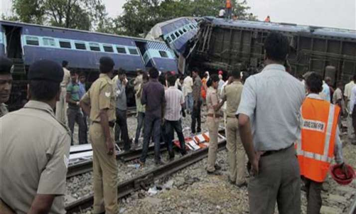 25 killed as trains collide in up