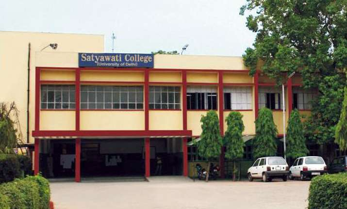 two cops suspended for misbehaving with ne students of du