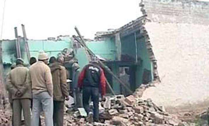 two dead many injured in delhi building collapse