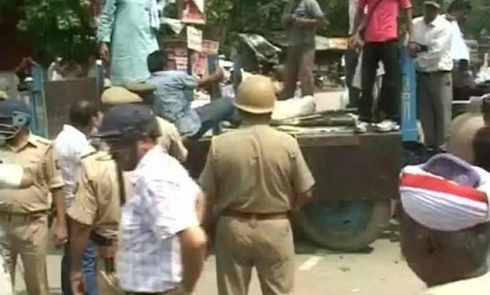 two killed five injured in up as assailants stab seven