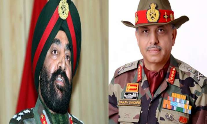 two top generals visit keran take stock of ground situation