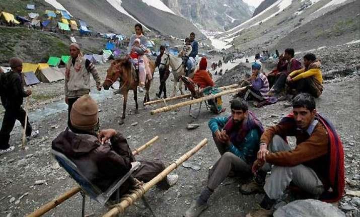 two amarnath pilgrims die of cardiac arrest