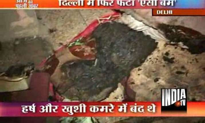 two kids miraculously saved in ac blast in delhi