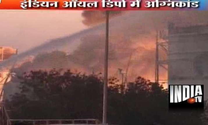 three killed in indian oil terminal fire