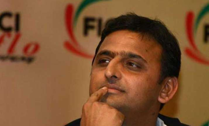 up cm akhilesh yadav presents budget for 2014 15