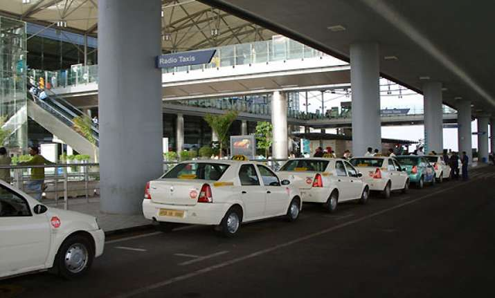 up govt allows radio taxis in ghaziabad noida to wait