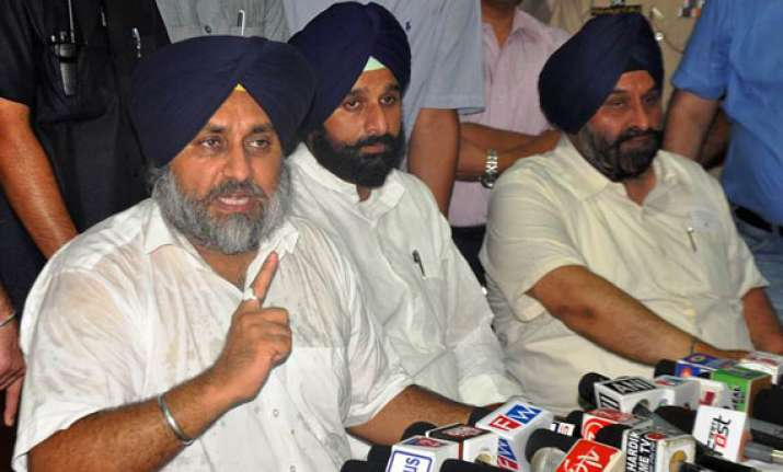 upa has failed to protect sikhs abroad says sukhbir badal
