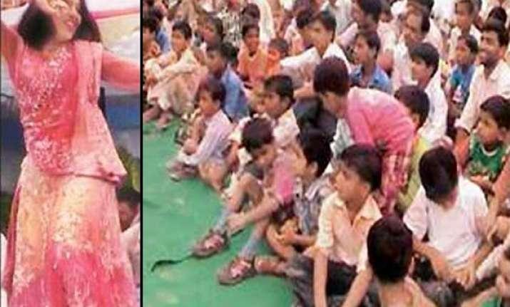 up samajwadi leader brings bar dancers to entertain school