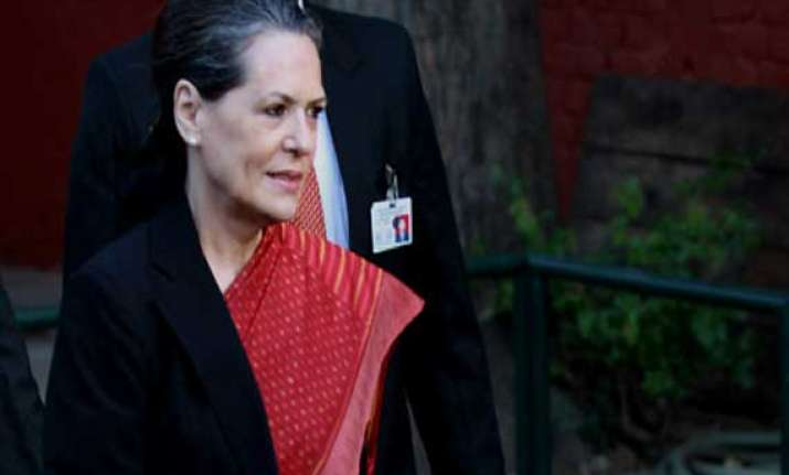 us court asks sonia gandhi to show passport