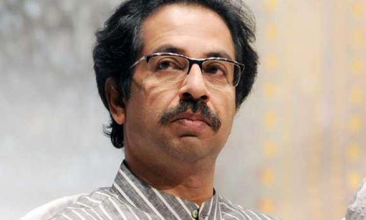 uddhav demands dismissal of maharashtra sadan s resident