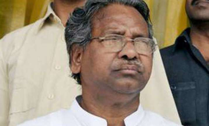 union textiles minister resigns over telangana issue