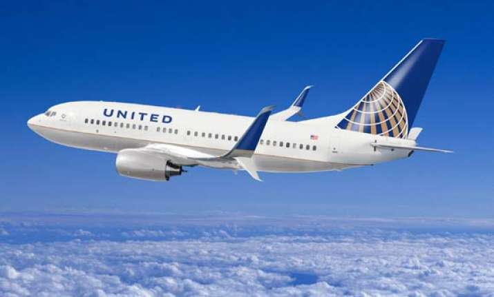 united airlines plane grounded at mumbai airport