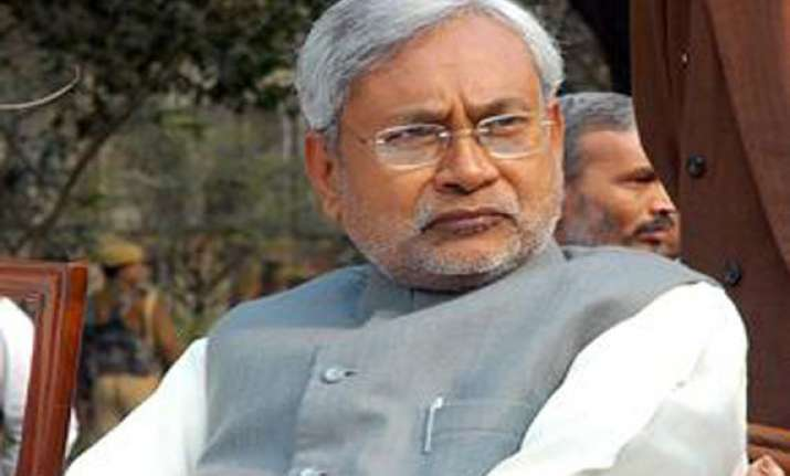 upset over nitish kumar s resignation man attempts suicide