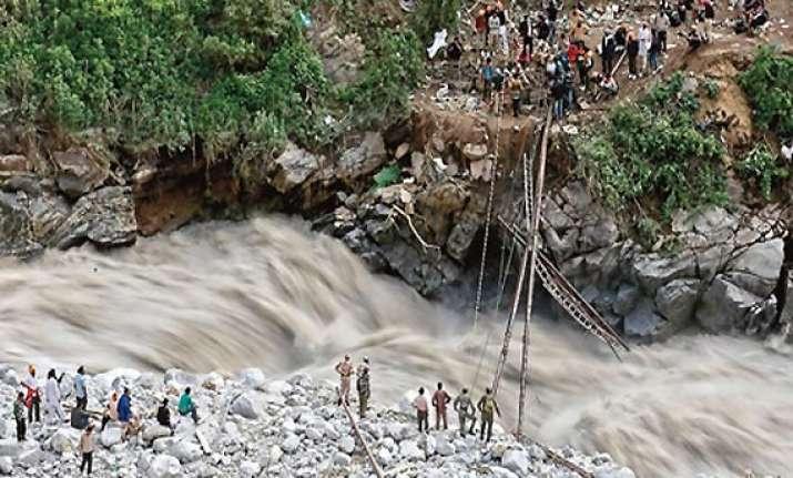 uttarakahand army bridge across alaknanda to hasten rescue