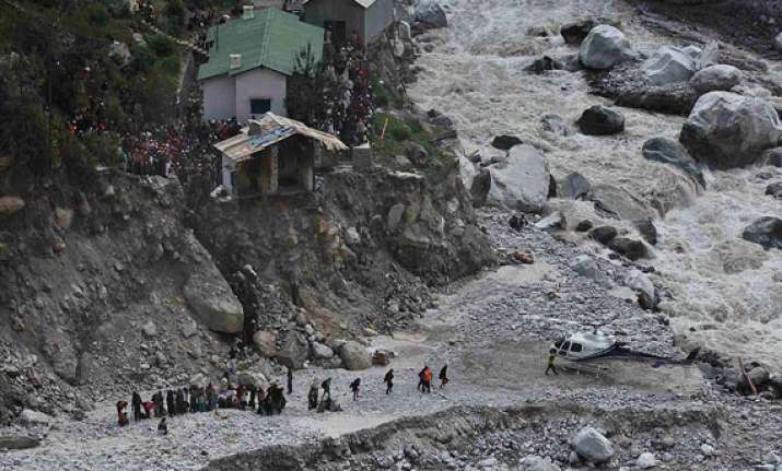 uttarakhand air rescue operations hampered by bad weather