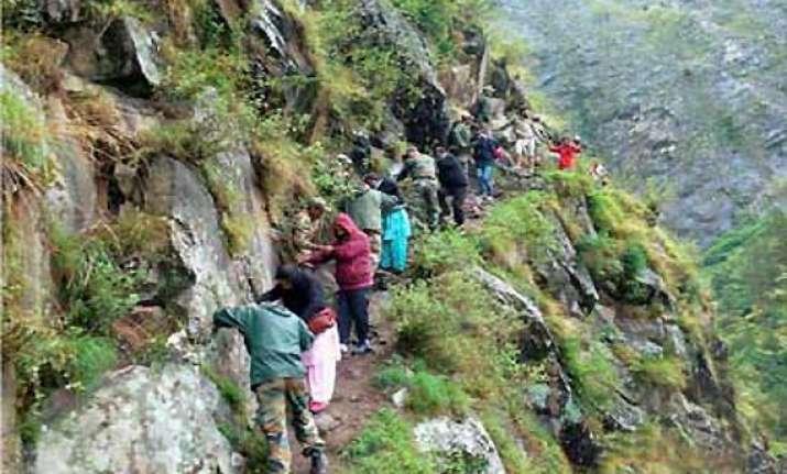 uttarakhand over 100 000 rescued 1 800 still stranded