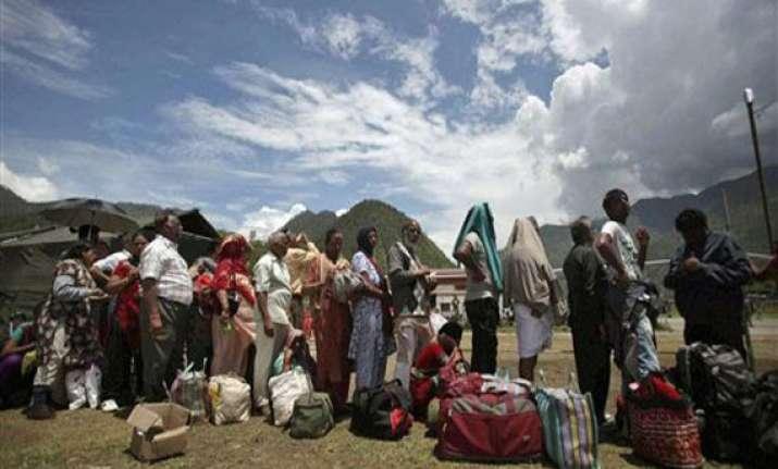 uttarakhand 2 500 people still stranded in badrinath rains